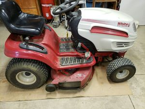White brand lawn tractor for Sale in Cuyahoga Falls, OH