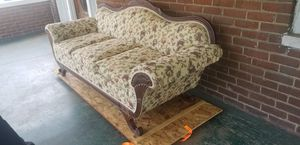 Antique couch for Sale in Roanoke, VA