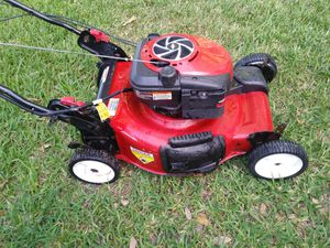 Lawnmower lawn mower craftsman one pull start front wheel drive self propelled. for Sale in Hollywood, FL