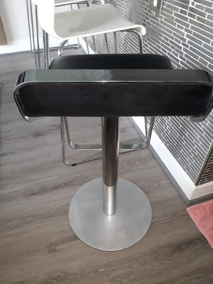 Bar stool, like new heavy well build for Sale in Washington, DC