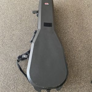 Gator Acoustic guitar Case w/TSA Latches for Sale in Los Angeles, CA