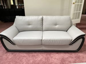 Comfortable Couches, looks good, no scratch, no broken handle, 4months old, for Sale in Bowie, MD