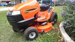 In new condition riding mower for Sale in Fort Worth, TX