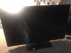40 inch Emerson 34 inch insignia TVs for Sale in Baltimore, MD