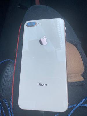 iPhone 8Plus for Sale in Chicago, IL