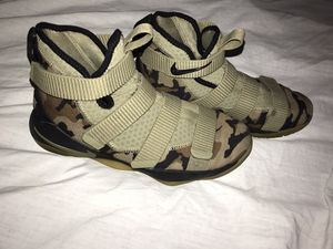 Nike zoom camouflage shoes for Sale in San Antonio, TX