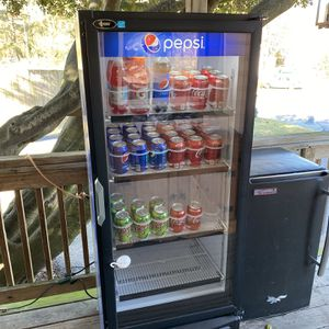 Pepsi Drink Machine (Drinks Not Included) for Sale in Richmond, VA