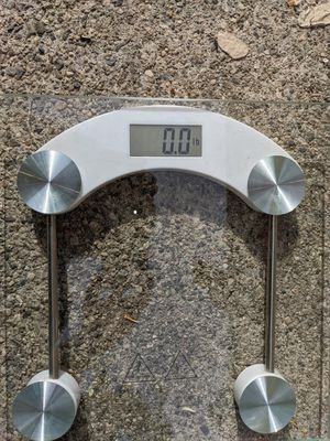 Scale - Check your weight in Lb and Kg for Sale in Los Angeles, CA