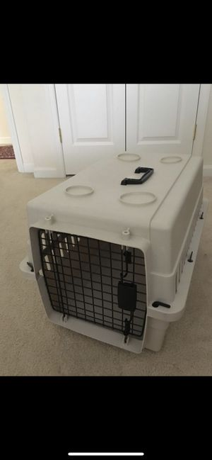 Nice small/medium dog kennel for Sale in Ellicott City, MD