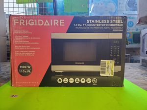 Microwave oven 1.1 cu ft new only open box.firme price for Sale in East Los Angeles, CA