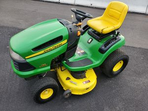 "22HP 42"" JOHN DEERE 135 tractor 289 hours for Sale in Bristol, PA"