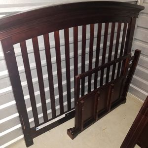 Interchange Crib Value $400 I'm Asking $100 for Sale in Lanham, MD