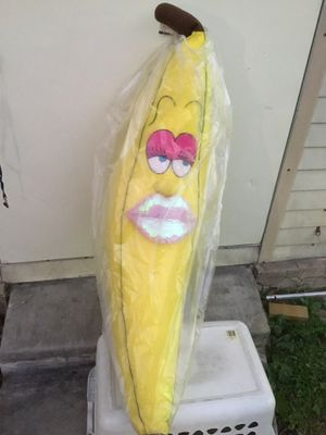 """GIANT FEMALE BANANA 52"""" HEIGHT PILLOW STUFFED ANIMAL DECORATION * CHECK OUT ALL MY OFFERS * SERIOUS BUYERS PLEASE (FIRM ON PRICE) for Sale in Miami, FL"""