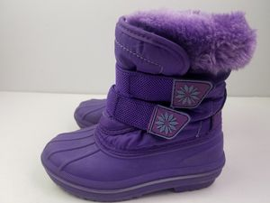 Toddler Girls Purple Slip On Winter Snow boots size 7/ 8 for Sale in Walton Hills, OH