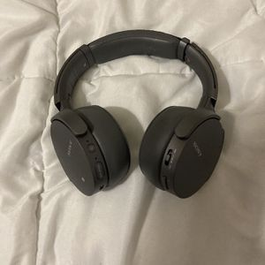 Sony Noise Canceling Bass Headphones Wireless for Sale in Houston, TX