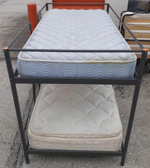 Twin/twin metal bunk bed for Sale in Dover, FL