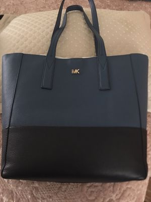 New!!!! Michael Kors Large Tote for Sale in Long Beach, CA
