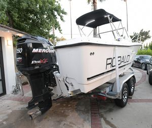 Robalo fishing boat. 2007 mercury 250hp outboard motor for Sale in Los Angeles, CA