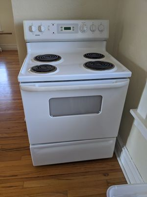 Kenmore Oven Range working No Damage for Sale in St. Louis, MO