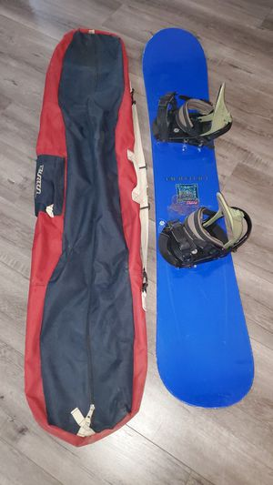 156cm Burton Snowboard/Bindings/Bag for Sale in Las Vegas, NV