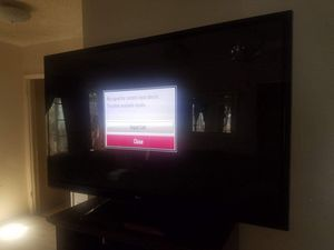 46 in LG screen TV with Roku and remote for Sale in Compton, CA