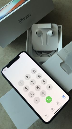 New Condition iPhone X iPhone 10 64GB 256GB Silver And Space Gray for Sale in Coral Springs, FL