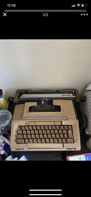 Smith-Corona Coronet XL Electric Typewriter for Sale in Los Angeles, CA