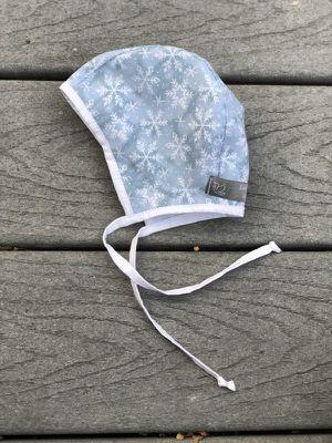 Baby snowflake bonnet/hat for Sale in Chelan, WA