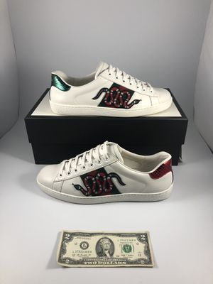 Gucci Aces Snake Embroidered (Sz 9) for Sale in Redwood City, CA