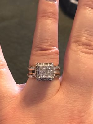 Women's wedding ring. Size 6 for Sale in Tempe, AZ