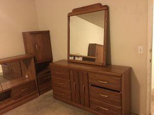 Oak Queen bedroom set for Sale in West Valley City, UT