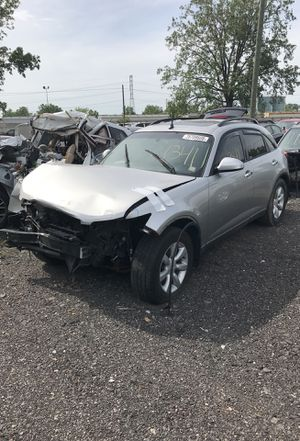 Selling parts for a gray Infiniti FX 35 2005 STK#1341 for Sale in Detroit, MI