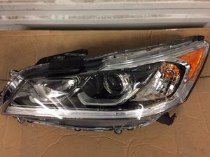 16 17 HONDA ACCORD LEFT HEADLIGHT OEM for Sale in Los Angeles, CA