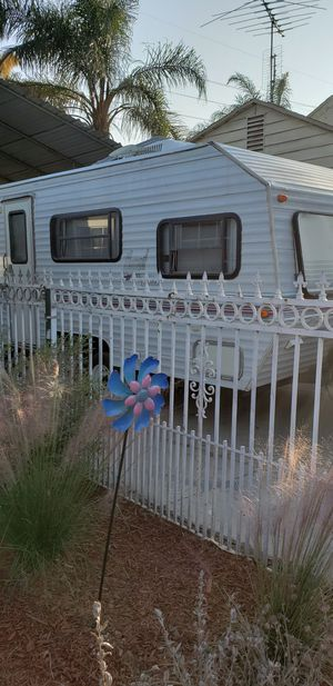 travel trailer 1995 16ft nomad prowler for Sale in Bloomington, CA