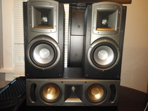 Klipsch rc52 and b3 bookshelfs for Sale in Gary, IN