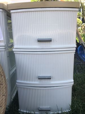 2 plastic drawers for Sale in New Albany, OH