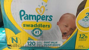Pampers Swaddlers newborn 120 count for Sale in Chicago, IL