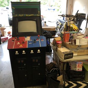 Hit the ice arcade for Sale in Stanwood, WA