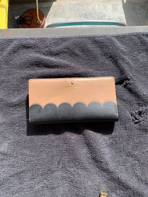 Kate Space Scallop Wallet for Sale in Riverside, CA