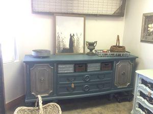 Thomasville dresser or buffet for Sale in Phoenix, AZ