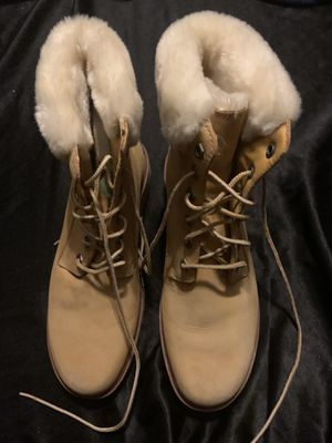 TIMBERLAND BOOTS ALMOST NEW WEAR THEM COUPLE OF TIMES SIZE 8 for Sale in Laveen Village, AZ