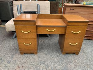 Vanity dressing table for Sale in Ashland, OR