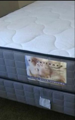 New EXCELLENCE thick queen comfort firm queen mattress & boxsprings five year warranty for Sale in Las Vegas, NV