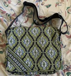 RETIRED Vera Bradley Cambridge Messenger Bag Green Blue EXCELLENT CONDITION for Sale in Centreville,  VA