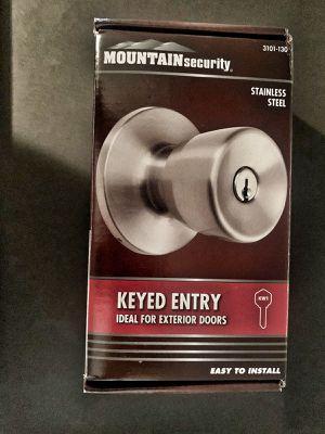 Keyed entry door knob for Sale in Fort Lauderdale, FL