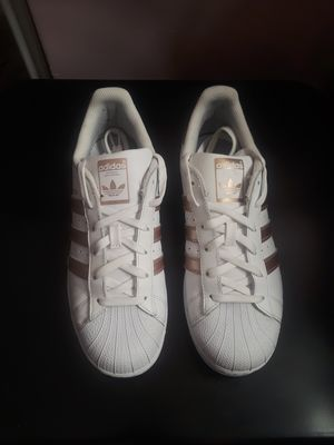 Gold Adidas for Sale in Romeoville, IL