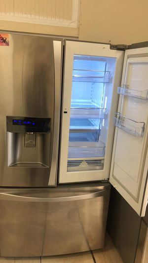 Refrigerator French door fridge with easy access for Sale in Los Angeles, CA