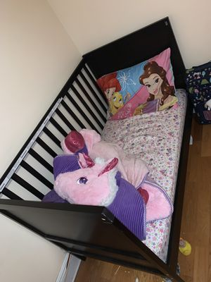 IKEA toddler bed/crib for Sale in Pembroke Pines, FL