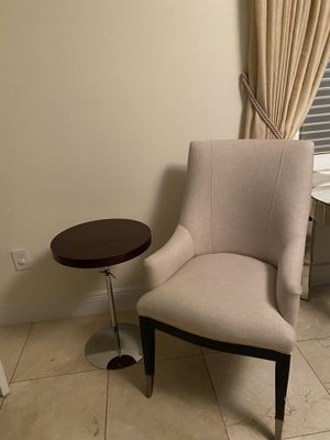 Chair and table for Sale in Miami Beach, FL