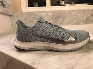 Women's Nike Quest 2 Running Shoes size 7.5 for Sale in Bothell, WA